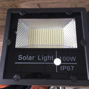 TVP100Y – Đèn pha NLMT 100W (Mẫu mới)